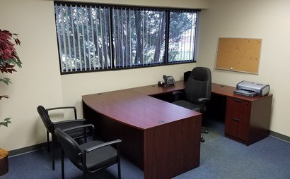 Executive Suite Offices and Administrative Services available in Southfield