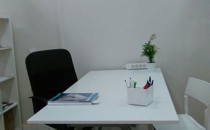 Eixample / Gracia Office dedicated desk