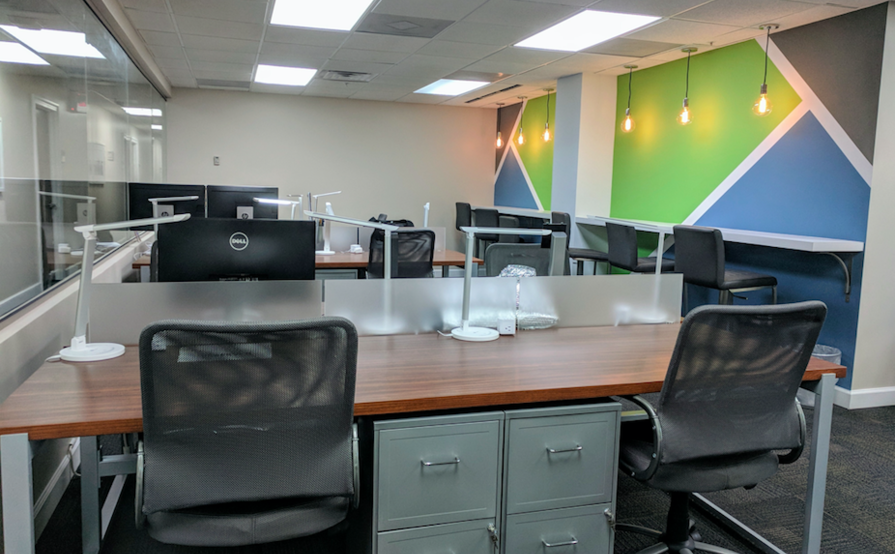 Dedicated Desk at Lakeside Executive Suites