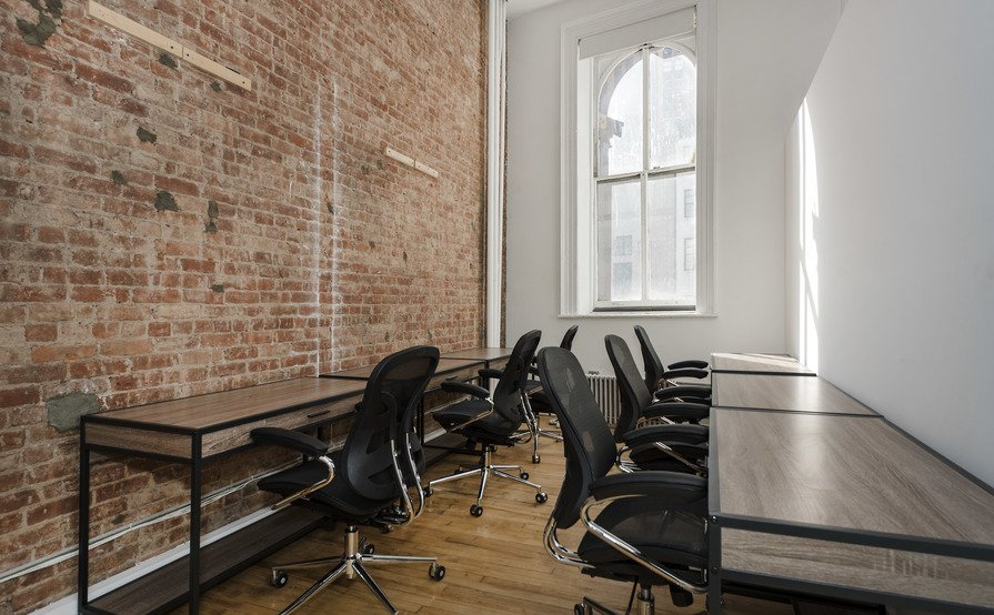 Office Suite for 5/6 person | 500 sq ft