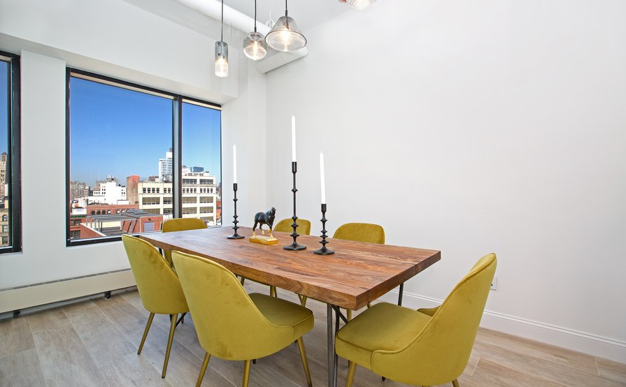 Private Meeting Room Yellow for 6 person