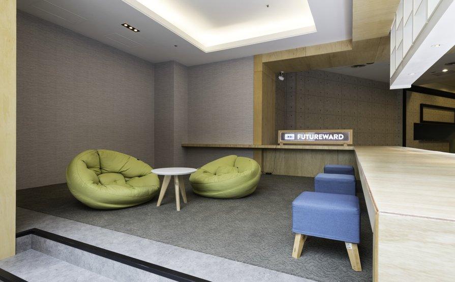 FutureWard Central - Hot Desk