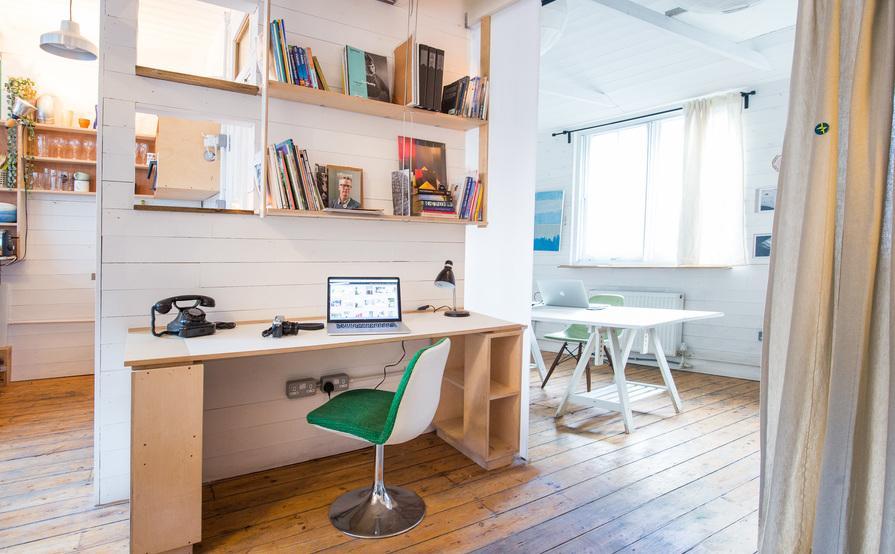 Beautiful desk space in bright, well-heated studio in London E2