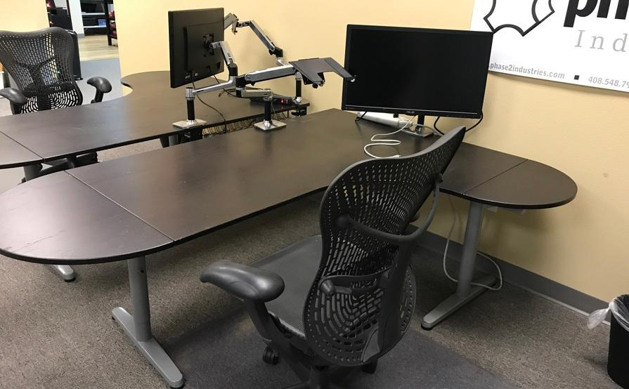 Dedicated Desk with 1 or 2 monitors