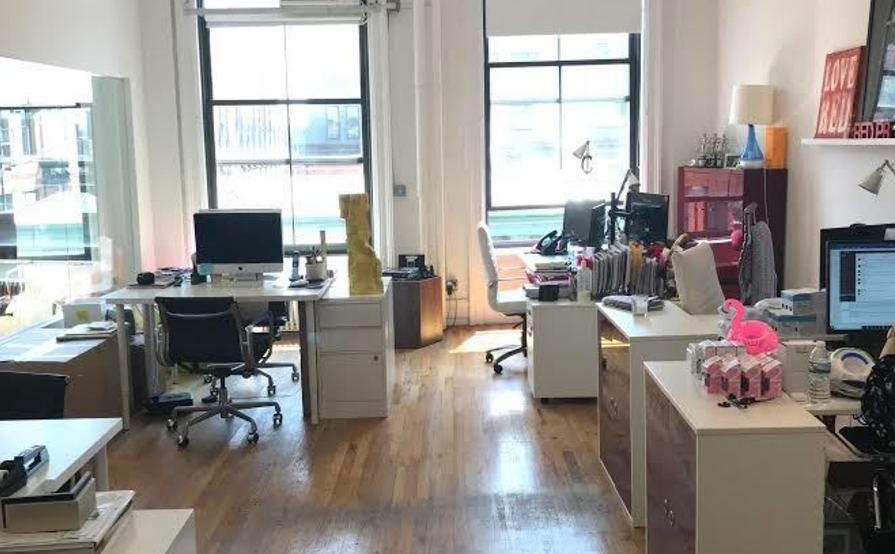 3 Desks In Spacious Modern SOHO Office Building
