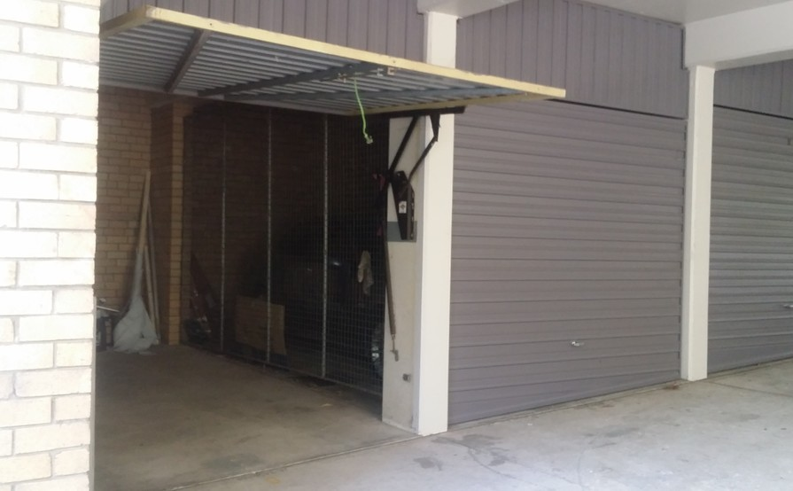 Single Garage in Lane Cove North - Great Location in between trio of Epping, Mowbray Road & Pacific Highway