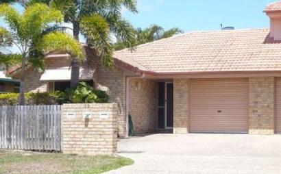 Secure garage for storage in North Mackay
