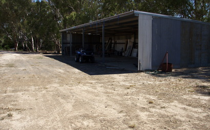 Steel farm shed 72ft x24ft in Cosgrove South