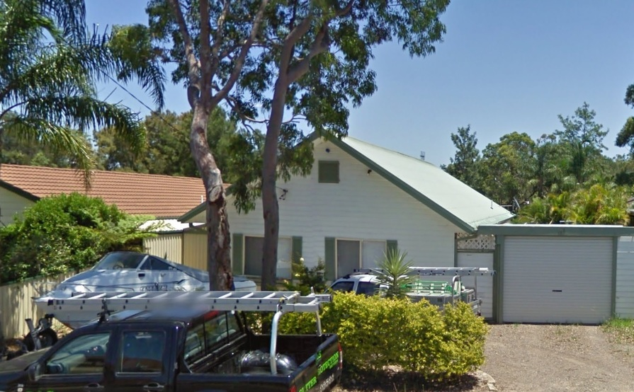 Front yard space for trailer or boat in San Remo - secure and easy to access!