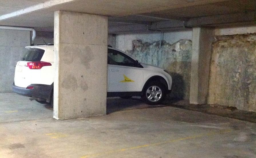 Single car garage in Bondi Junction - great location!