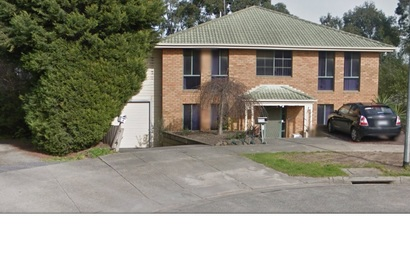 Secure Garage space in convenient location in Endeavour Hills