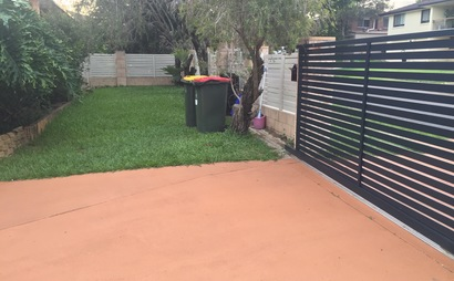 Carseldine - Front yard space perfect for trailer, boat or caravan!