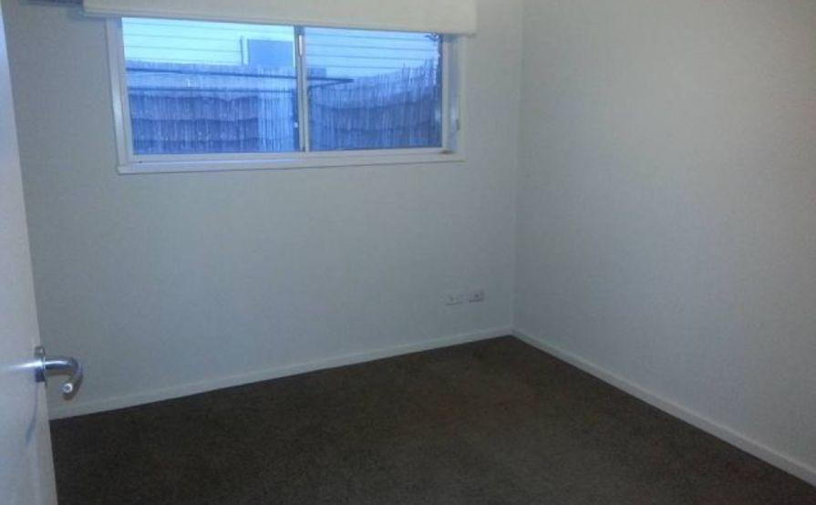 Medium sized bedroom for Storage - Frankston!