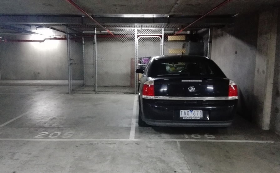 Secure Car Park in Southbank, easy access to public transport (available after Nov. 3)