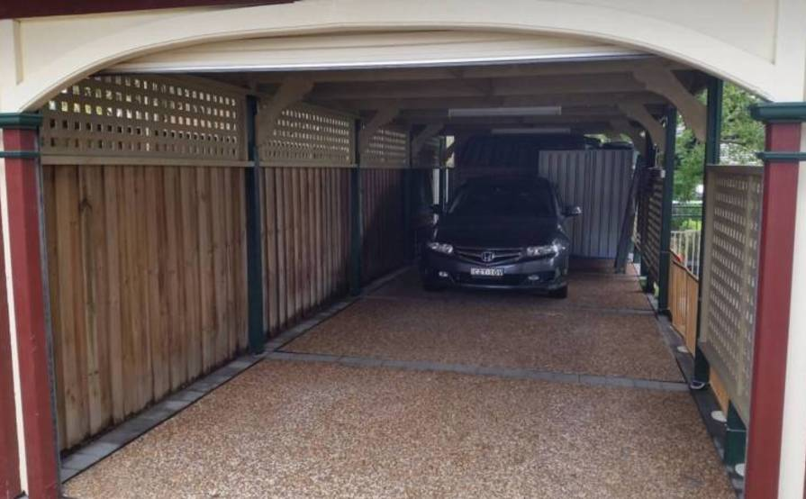 EASTWOOD - Secure Tandem Garage for Parking or Storage