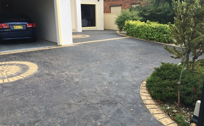 Punchbowl - electronic double brick double garage with driveway parking for 2