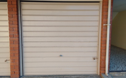 Large single lock up garage - available now to rent in Summer Hill