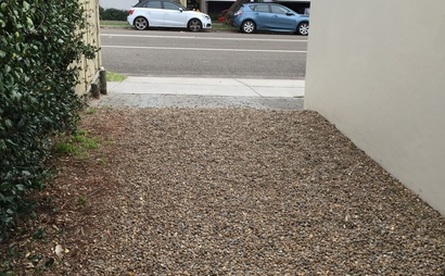 Parking space available in Coogee (close to busstop)