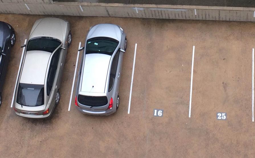 Parking Space in Elizabeth Bay Loop