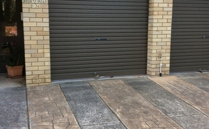 Garage as a store to share in Bronte Rd, Bronte or for parking by renter only. Also available with driveway for second car.