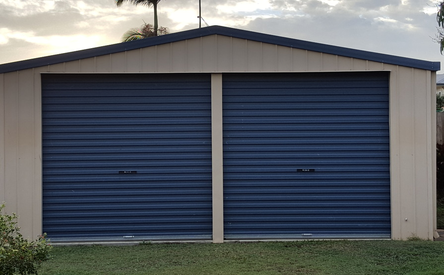 Big Garage / Storage Space