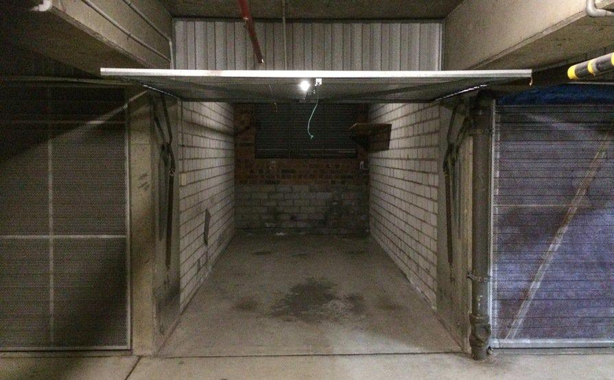 Ultimo - Lockup Garage