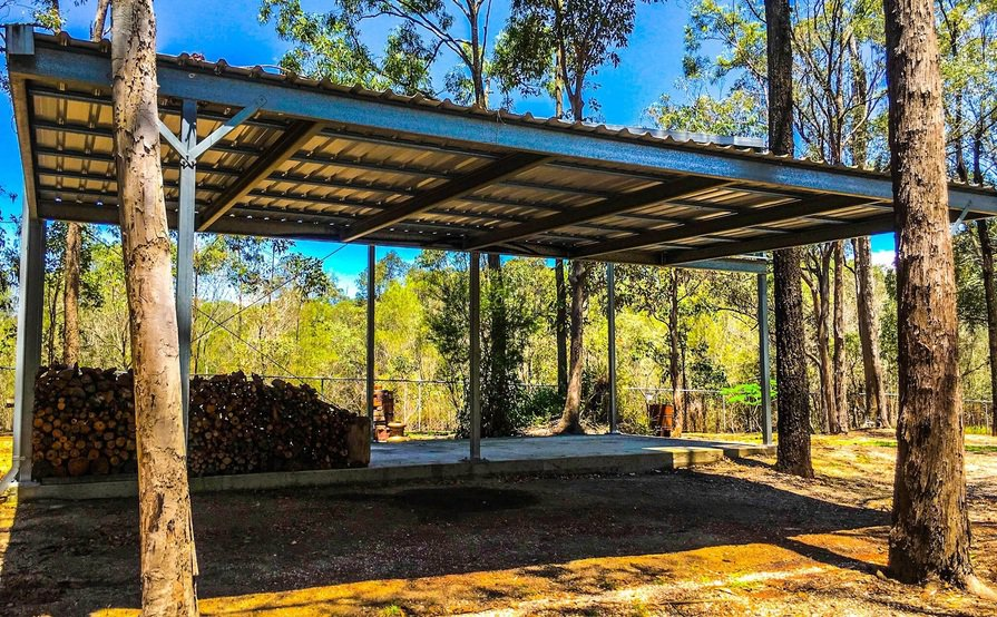 Browns Plains - Large Wide Covered Space