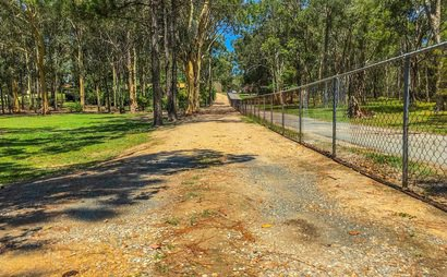 Browns Plains -Long Open Space