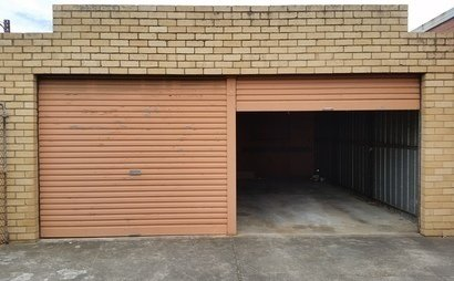 Glen Waverley double garage -  neat and clean condition