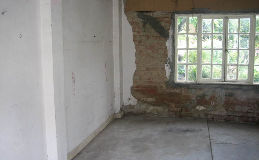 Garage in Clifton Hill (Available from 9-April)