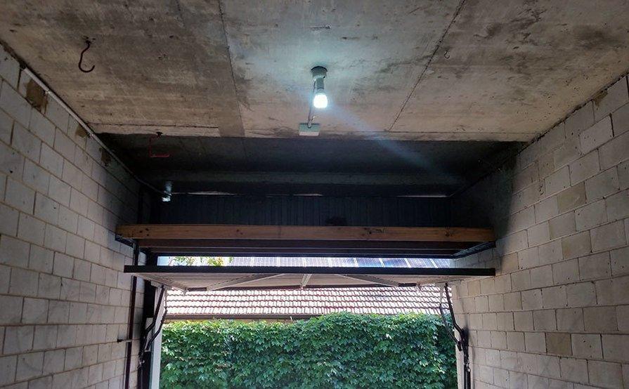 Large Lock-up Garage Space