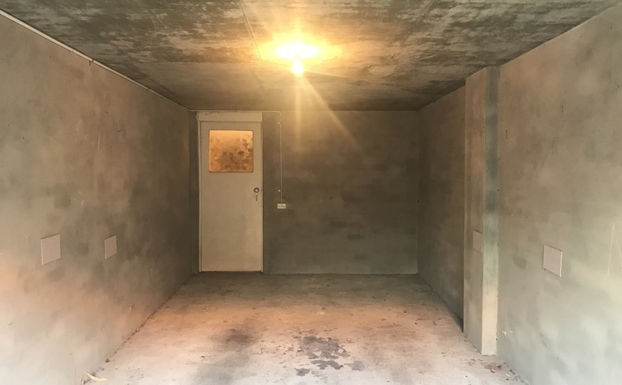 Secure Garage and Large Storage Space walking distance to Coogee Beach