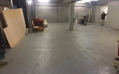 Croydon - Huge Lock up Shed could accommodate up to 12 cars (120sqm)