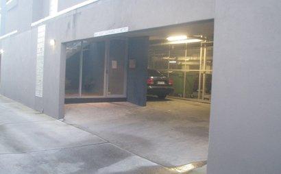 Undercover Car Space Glenhuntly (near train station)