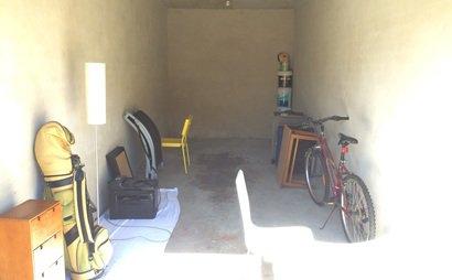 Spacious garage in Kingsford - Convenient Location