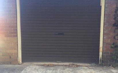 Garage 3m x 6m brick