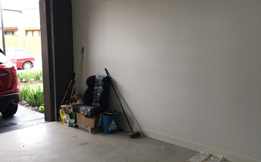 Single Garage in Wantirna south, great location / suburb