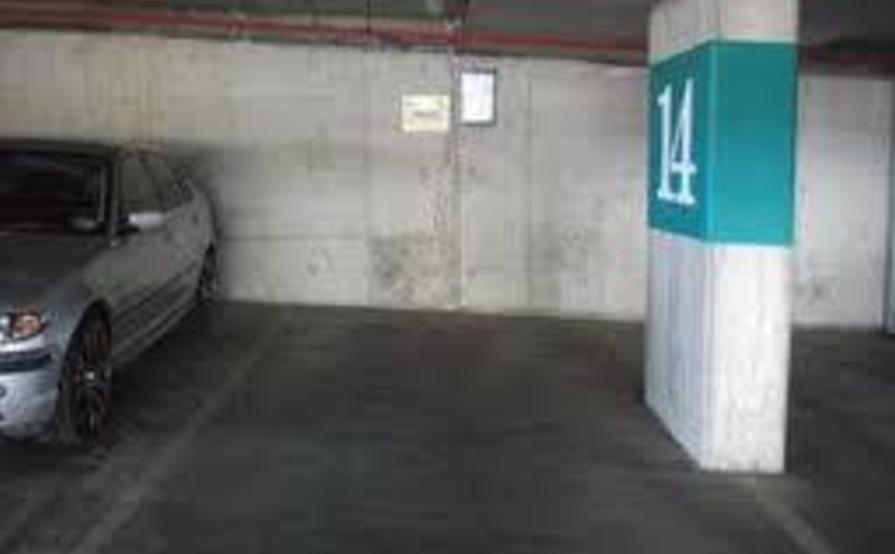 Secure car space in South Yarra, 1 minute from South Yarra station