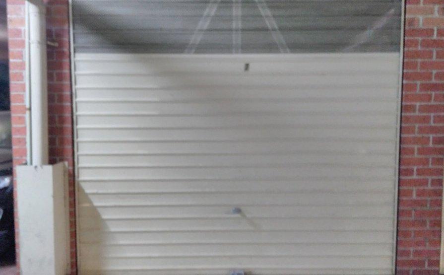 Parramatta - Covered  lockable  parking garage for car