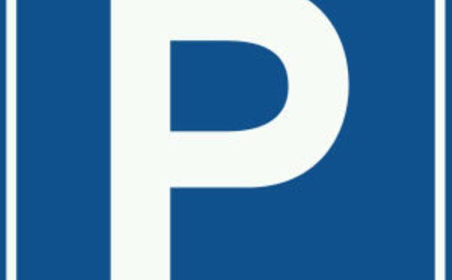 Hyde Park secure parking 24/7