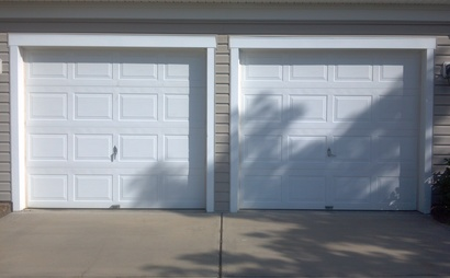 2 single garages - for 1 or 2 tenants